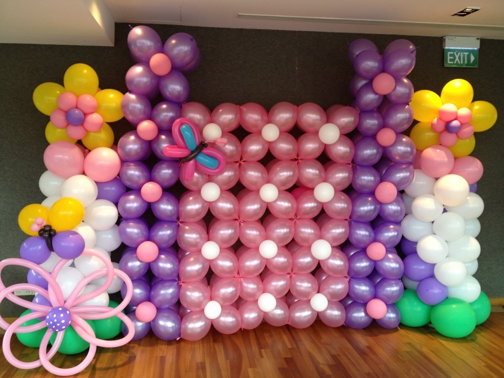 Basic-Balloon-Backdrop-1024x768