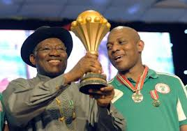 Leadership: What Goodluck Jonathan can learn from Stephen Keshi – Ogunyemi Bukola