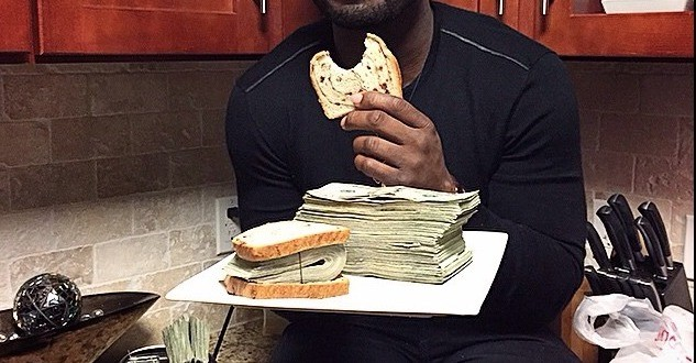 50 Cent gets 78M$ Underwear Deal, Toasts Bread with Dollars